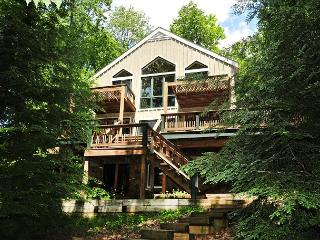 Incredible Lakefront w/Spacious Deck, Private Dock and Lakeside Firepit