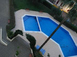 BENIDORM (6/7 Pax) Pool/Parking  LEVANTE BEACH