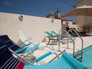 Fabulous house for 6 with Heated Courtyard Pool