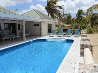 Island View Beach House - Jolly Harbour, Antigua