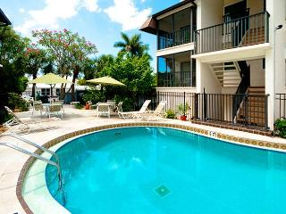 Island Bay: 1BR Perfect Getaway forTwo!, Bradenton Beach