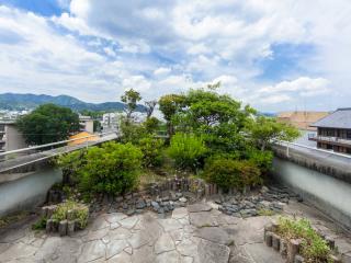 Yokai SOHO: machiya loft in Kyoto (70 m2)