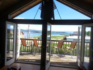 Lake Granby, great lake and mtn views bonus room