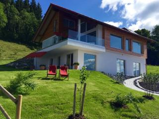 Vacation Apartment in Füssen - 753 sqft, alpine panorama and sea views, premium comfortable apartment,…, Fussen