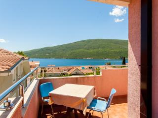 Lux One Badroom Apartment - with See View, Herceg-Novi
