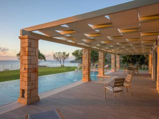 Artina Villa- Luxurious Private Pool Villa, Zakynthos