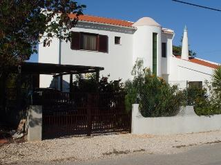Apartment Tighe ~ sleeps 4,  1 double & 2 singles, Aljezur