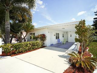 Alma's Beach House, Fort Myers Beach