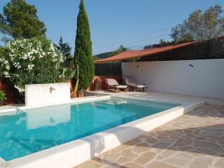 Ibiza house 7pax with pool surrounded of forest, Sant Josep