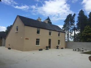 Large 3 bed farm House ,killarney co.Kerry.