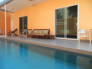 Big pool villa close to beach and city center, Pattaya