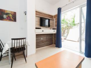 1040 - 1BR Bugrashov 25, Tel Aviv