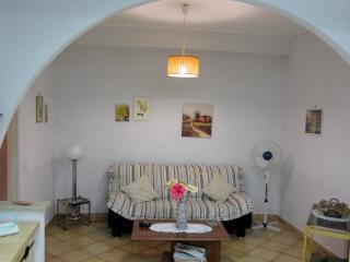 Appartamento in piazza a Terrasini a 2 passi dal mare.