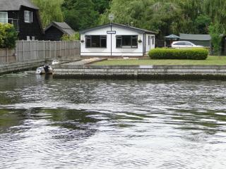 Riverbank Lodge Main River Horning - Norfolk Broads