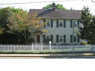 Historical Home 10 min drive to Stone Harbor beach, Cape May Court House