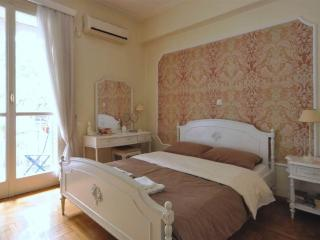 Your clean, quiet, cozy central Kolonaki stay!