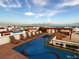 KLEM 206 - Luxury Condo Steps from Beach & 5th Ave, Playa del Carmen