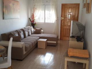 Spacious lounge with dining area, cable TV and internet