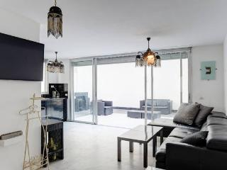 3 bedrooms  with big terrasse, Tel Aviv
