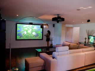 Biarritz luxe vacation rental A/C pool golf beach