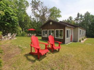 McCulloch's Getaway cottage (#869), Sauble Beach