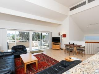 1752 Kennington Rd, Encinitas