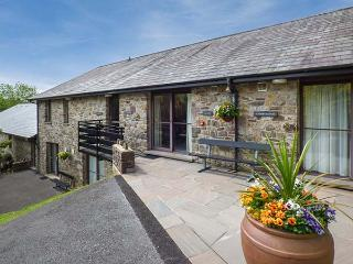 BRECON COTTAGES - GWENT, four poster bed, en-suite, sauna, shared pool, near Pen-y-Cae, Ref. 925414, Pen-y-cae