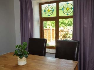 GRETA COTTAGE, romantic, open plan, dog-friendly, in Ingleton, Ref 919675
