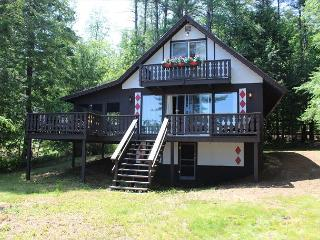 Cute and Cozy Waterfront Lake Winni (LAM31W), Gilford