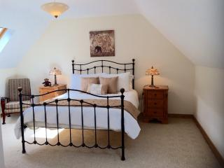 Master bedroom (kingsize bed) with ensuite shower and WC