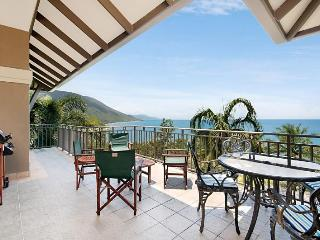 "Munbilla Santai 11""Fantastic Views, Palm Cove"