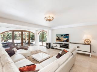 Stunning 3 bedroom Detached Villa Elviria