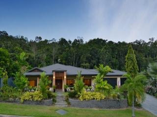 Ulysses Rainforest Retreat, Clifton Beach