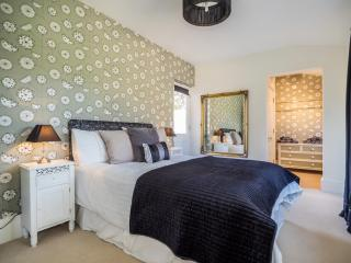Apartment One at Tudor Villas stunning Ground Floor Apartment with parking, Cromer