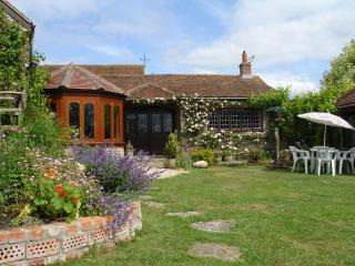 E7 - Quiet Corner Cottage, Templecombe