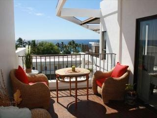 Royal Sea Cliff#704 Luxury Top Floor Penthouse with Ocean View! **NEW!**, Kailua-Kona
