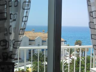 Tiptop Escapes / Apartment Delfin, Nerja