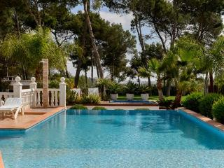 5 bedroom Villa in Santa Eulalia Del Rio, Ibiza, Ibiza : ref 2306364, Santa Eulalia del Río