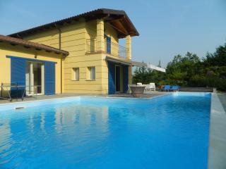 Stupenda villa con piscina privata, Sarezzano