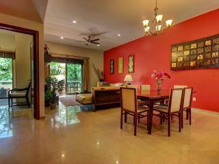 Palmar del Sol 203. 2 Bedroom apartment.Garden view.Second floor., Playa del Carmen