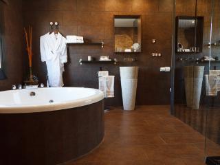 SUITE MERLOT CON JACUZZI REDONDO SPA- HOTEL RURAL