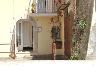 Fancy House, Formia