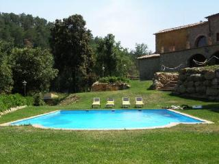 El Munt with indoor & outdoor pool, ping-pong, basketball, football and play area, Castellterçol