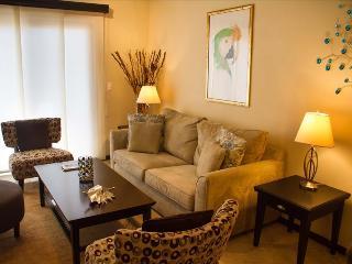 2 Bedroom Townhome -Diamante 58, Noord