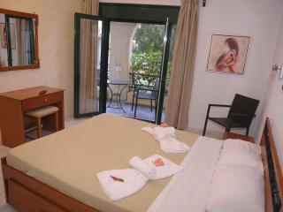 Comfortable Central Apartment up to 4, Chersonisos