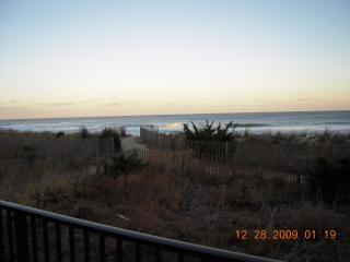Ocean Front 3 bed few wks.left