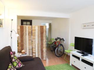 Studio in Belém w/ WIFi + 2 bikes + easy parking, Lisboa