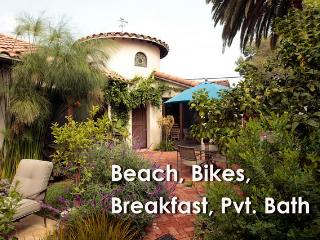 Private Suite in Venice Garden Estate with Bikes, Marina del Rey