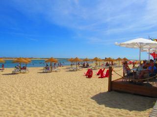Algarve, Fuzeta, Piso delante la Playa
