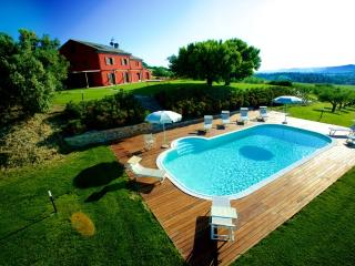 Villa with pool and putting green, Monte Porzio